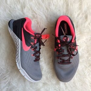 Nike Women's Metcon 3